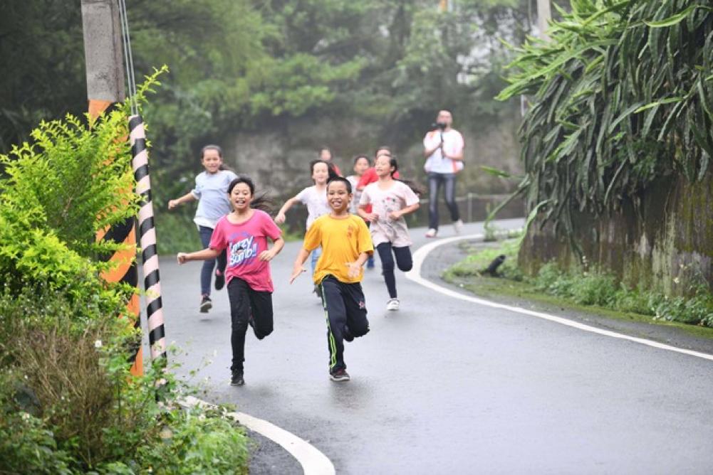 美樂家慈善關懷協會陪伴原鄉童,迷你馬拉松新竹深山開跑
